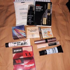 Makeup travel Bundle